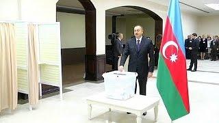 Azerbaijão: Oposição boicota eleições