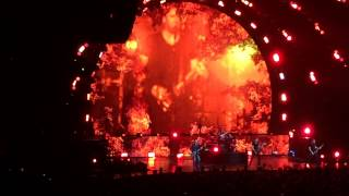 Nickelback | Burn It To The Ground live 2015