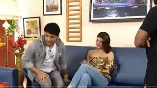 Must see Kapil Sharma ne Jacqueline se pair pakad kar mangi maafi live at behind of the show