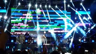 Pitbull cerro con la canción con lo cual dice, cambio su vida para siempre. #ArubaSummerFest