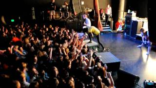 Bring Me the Horizon - Pray for Plagues (MOSH PIT)