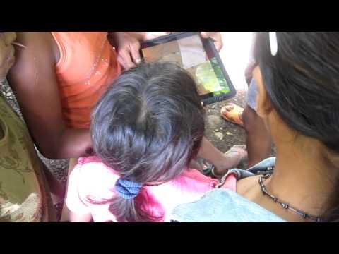 Nicaragua 2010 – Francessca's Girls Playing Labyrinth