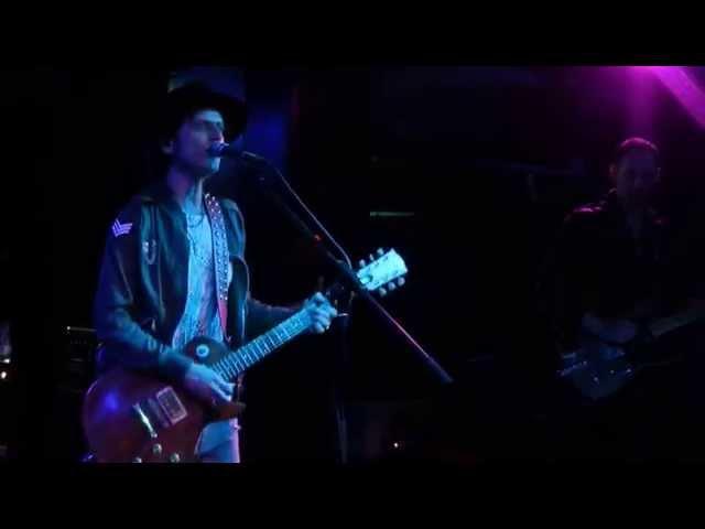 Vídeo de un concierto en la sala Rockstar.