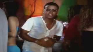 Zion & Lennox - Hay Algo En Ti (Video Oficial) [Clásico Reggaetonero]