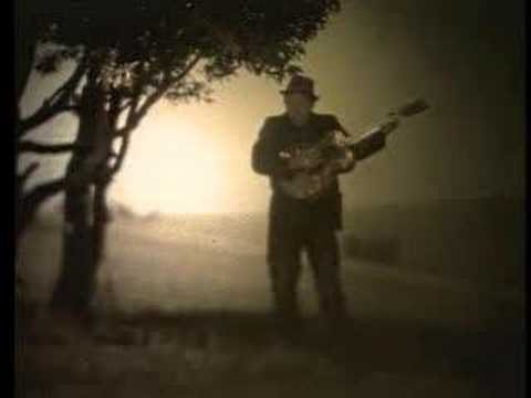 Hold On de Tom Waits Letra y Video