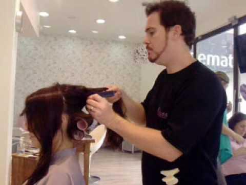 Colocando Bobs no cabelo
