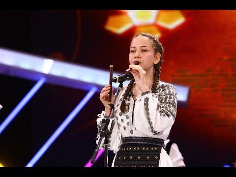 Petronela Bîrsilă, din Tărgi Jiu, cântă la instrumente, Next Star