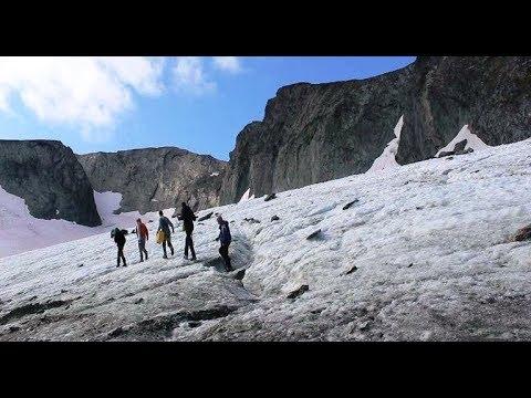 Лакмусовая бумажка природы на Ямале: ученые вернулись из похода на свой «опорный» ледник