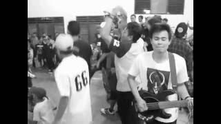 Gembel elit - Semangat oi ( live at Indonesian heroes days. #Kami menolak lupa. Gbk. Sei karang )