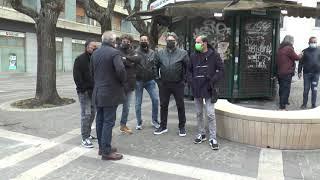 COSENZA: PROTESTA PARRUCHIERI ED ESTETISTI CNA