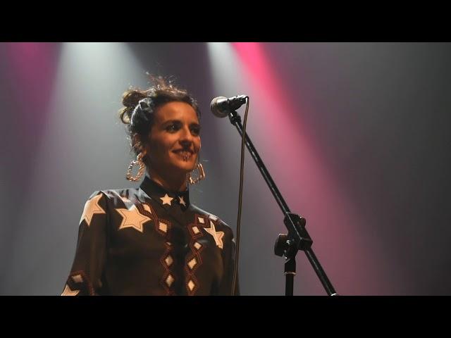 """Vídeo de la cantante """"Bebe"""" en el Kafe Atzokia Bilbao"""