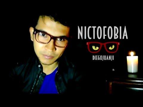 Espejo de Nictofobia Letra y Video