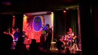 Gaano Ko Ikaw Kamahal, Itchyworms live at the 70s Bistro