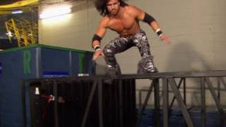 Raw: John Morrison practices parkour, the art of movement