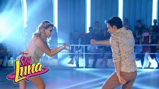 Matteo y Ámbar cantan Prófugos - Momento Musical (con letra) - Soy Luna