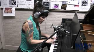 """Singer/Songwriter Beth Hart Performs """"Chocolate Jesus"""" Live At WUKY - Lexington, KY"""