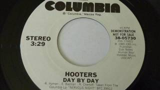 Hooters - Day By Day  45rpm