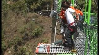 bungee jumping nepal - ishi karmon first jump