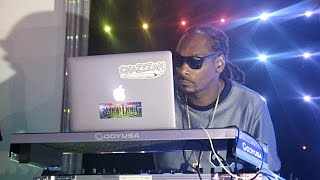Snoop Dogg performs live on Staten Island, N.Y.