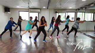 Luv Letter | Studio FM | Bollywood Beginner Dance | Vishakha Gaikwad |