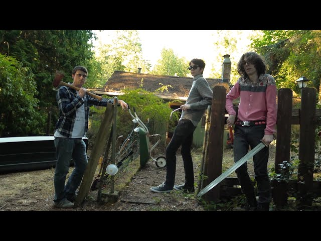 Videoclip oficial de la canción Something Soon de Car Seat Headrest