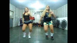 Prof.Lais e Marcela Dançando Anita -Ta na mira