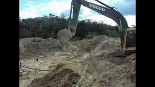 GABINO trabalhando com pc volvo E 210