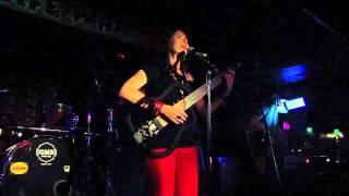 DENISE REIS - TUDO PASSA,TUDO PASSARÁ - live at Cafe Wha?