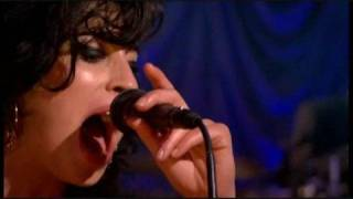 Amy Winehouse - Back To Black [Live in London]