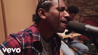 Lloyd - TRU (Acoustic Live Performance)