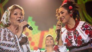 Andra & Mioara Velicu - Hora Moldoveneasca (Concert Traditional)