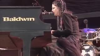 Evanescence - Breathe No More - Live at Rock am Ring 2004 [HD]