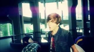 justin bieber boyfriend feat-Ian Thomas