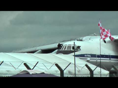ILYUSHIN IL-76MD Window Cleaning