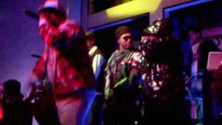 Reggaengsta Family Ft Big yamo - Vamos hacer maldades en vivo Planet T.v