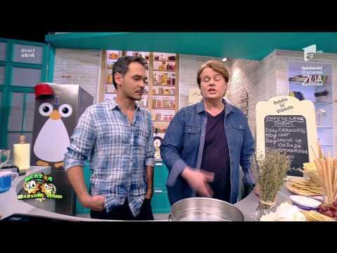 """""""Cheesecake picant"""" cu biscuiţi şi cremă de brânză"""