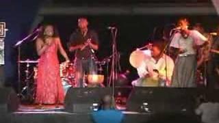 Izaline Calister live in Curaçao 2