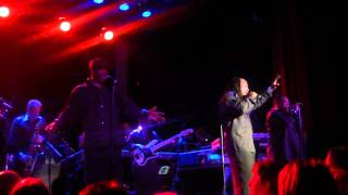 Earth Wind & Fire feat. Al McKay - You can't hide love - live in Zurich at Kaufleuten 1.12.10
