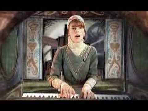 emily-loizeau-je-suis-jalouse-music-video-bridlefilms