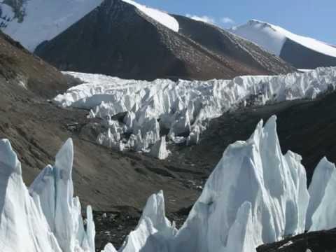 "The Everest Podcast – Episode 17: ""Meet the Trekking Crew"""