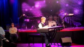 Bradley Bartlett-Roche, 11 yr old Piano Phenom performs UPSIDE DOWN!!