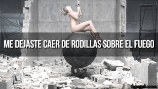 Miley Cyrus - Wrecking Ball (Traducida al español) (Video Oficial)