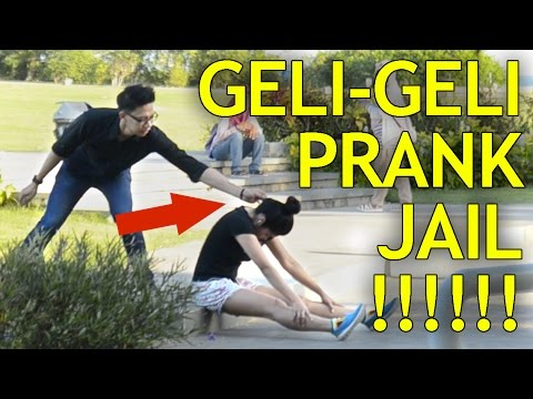 Download Video Orang Paling Jahil Di Bali! Prank Geli-Geli Kuping! Indonesia Prank.