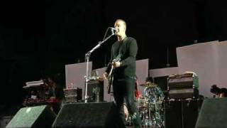 Queens of the Stone Age- Go with the flow (live)