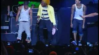 Usher and Chris Brown Dance on Stage Together at Reggae Sumfest 2010