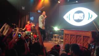 "Twenty One Pilots take on ""This is How We Do It"" (Live @ Highline Ballroom, NYC)"