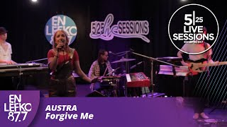 "5|25 Live Sessions - Austra - ""Forgive Me"""