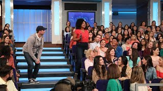 Ellen Puts Her Audience Members 'On the Spot' for 12 Days Tickets!