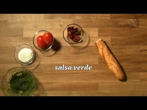 Gustarea din pauză - Sandvici cu rosii uscate, mozzarella și salsa verde