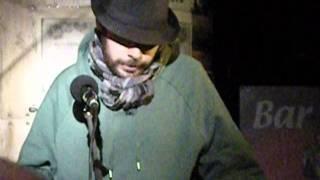 Guerrero lee en el Bukowski Club